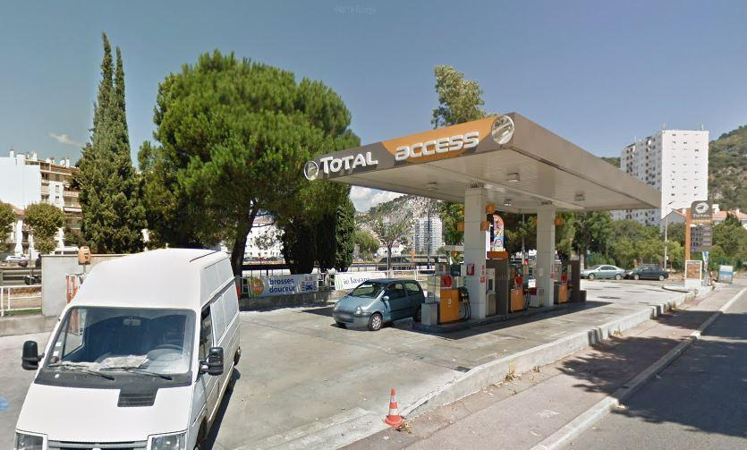 La station Total Access de la route de Turin.