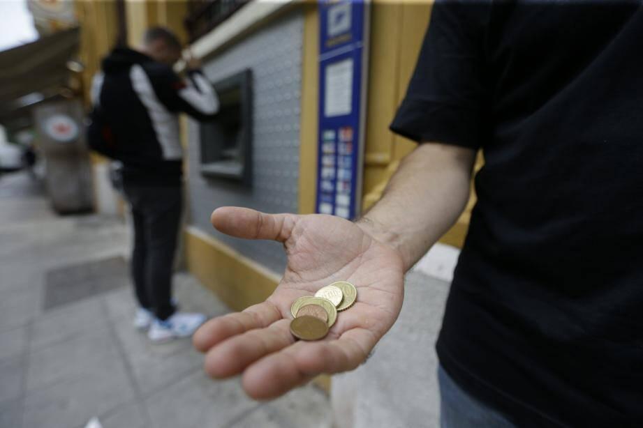 Mendier dans les secteurs visés par l'arrêté est passible d'une amende pouvant aller jusqu'à 38 euros.