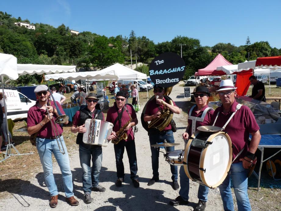 Le street-band de L'Escarène a animé le deuxième jour de la fête des paysans.