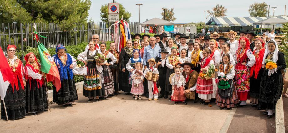 Les Portugais de Monaco en costumes traditionnels.