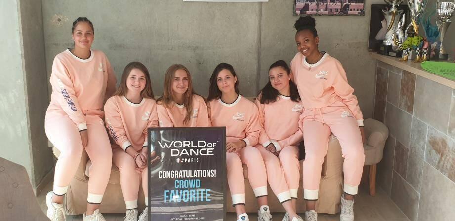 Elles sont six, ont entre 15 et 17 ans, sont membres de l'école Dance District de Cydrille Girard et débordent de talent. Alors, un petit coup de pouce pour les accompagner dans l'aventure ?