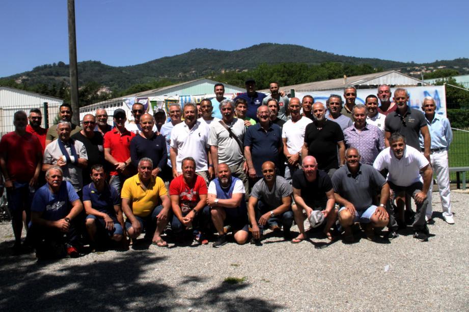 Une cinquantaine d'anciens de l'ASLM s'étaient donnés rendez-vous au stade Saint-Cassien pour les 50 ans de la section foot.
