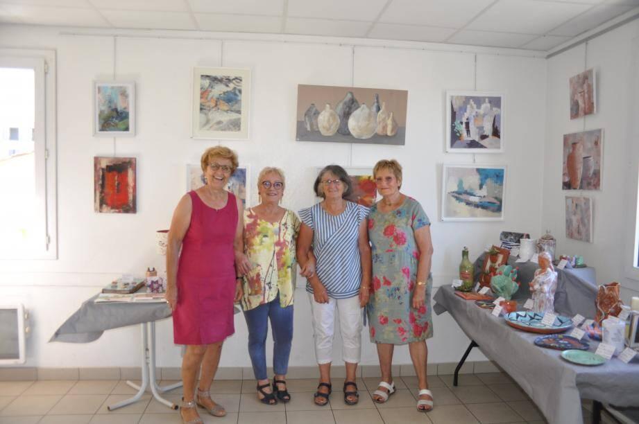Autour de Michèle Gattulo (2e à gauche), quelques-unes des exposantes.