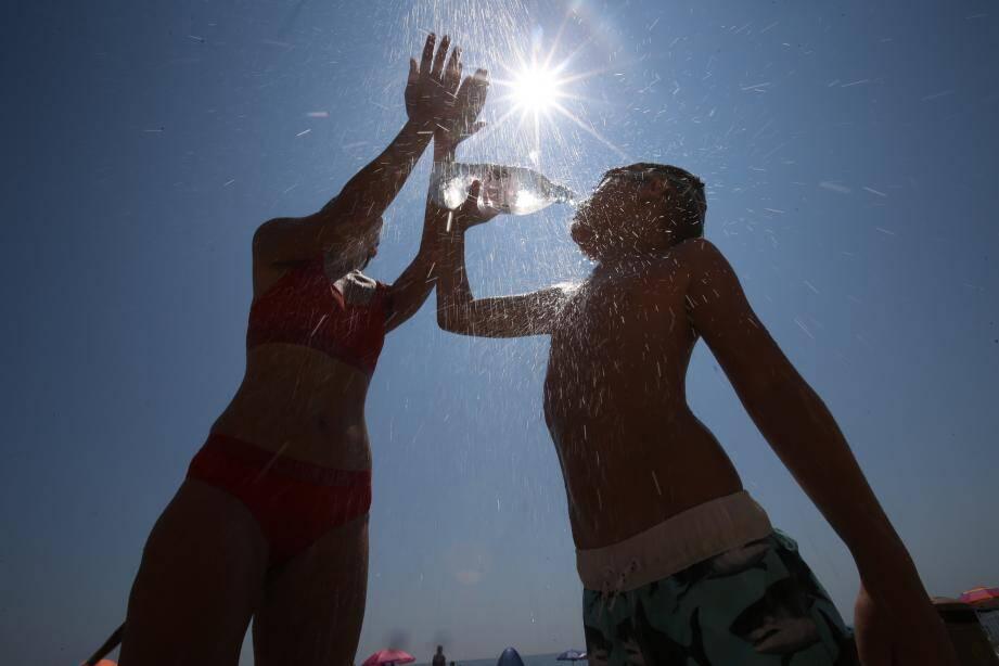 Les températures prévues la semaine prochaine pourraient  battre les records d'un mois de juin.