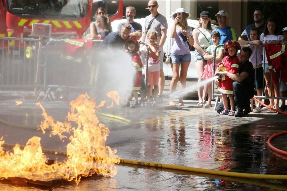 En quelques minutes, les petits pouvaient éteindre un feu, sauver quelqu'un ou grimper à la grande échelle.