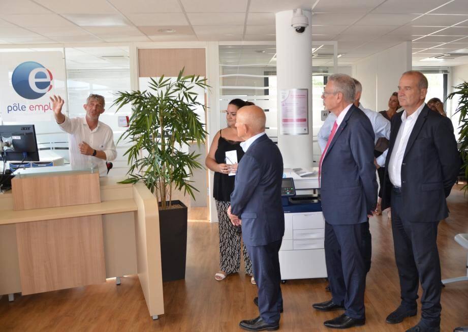 Les élus gardéens et valettois ont eu droit à une visite guidée de ces nouvelles installations.
