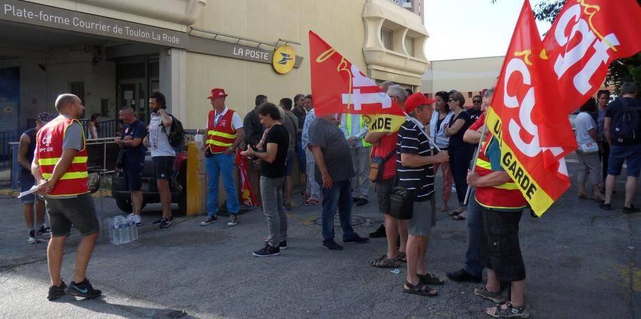 À l'appel de la Fapt CGT 83, mobilisée contre la réorganisation des méthodes et du temps de travail, des facteurs varois se sont mis en grève hier.
