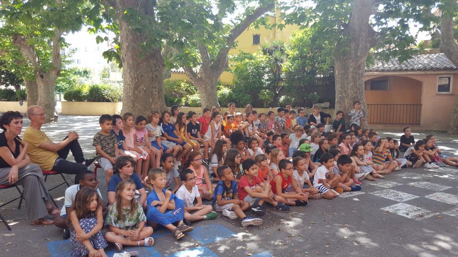 Les enfants ont passé une dernière journée d'école très festive.