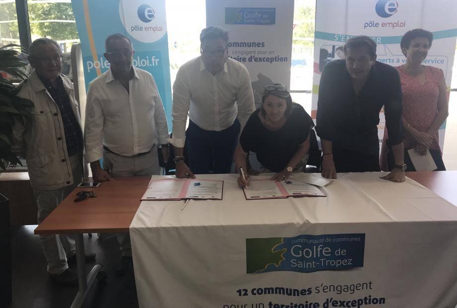 C'est signé ! Une intense collaboration s'engage entre Pôle Emploi et la Communauté de communes.
