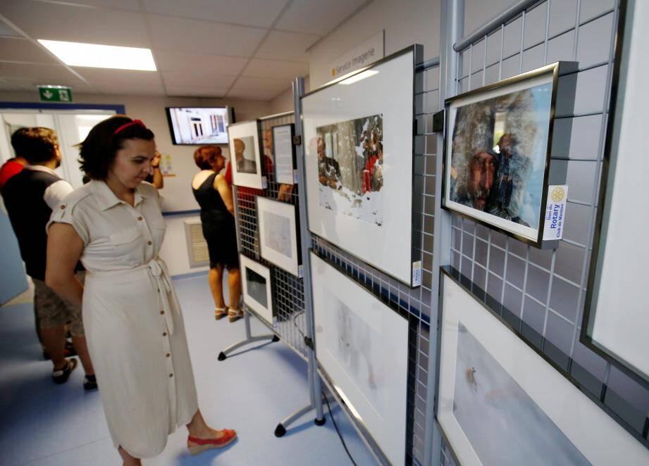 L'exposition est actuellement dans les murs de l'hôpital de Menton.