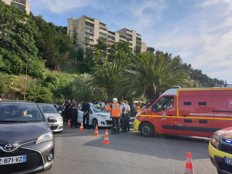 Policiers et pompiers étaient intervenus en nombre, le 19 juin, après la collision survenue à proximité de l'impasse des Liserons.