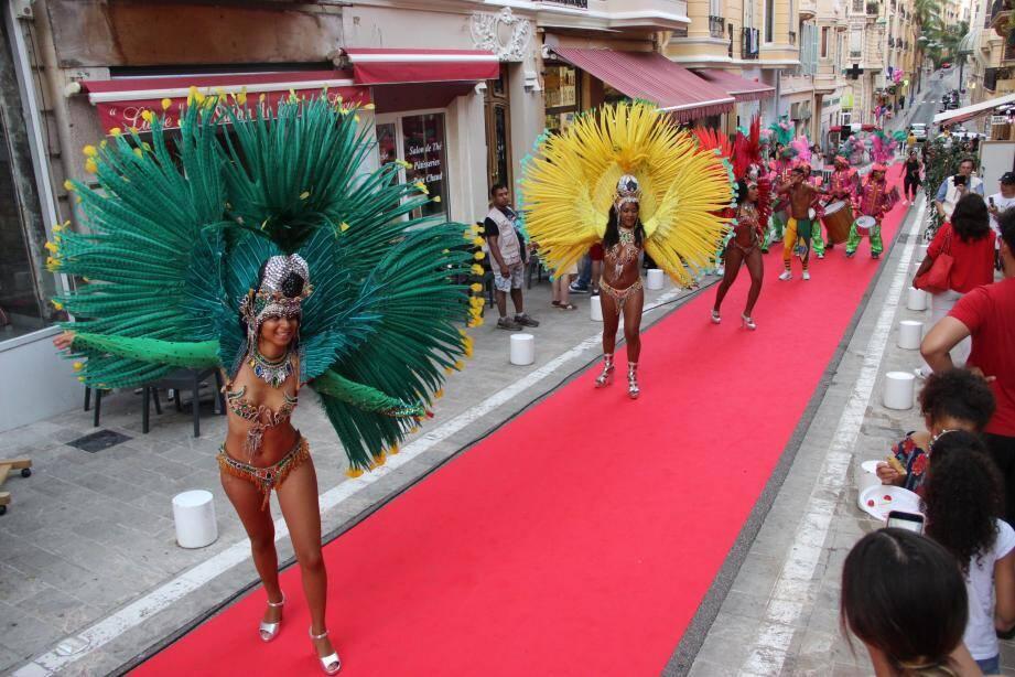 La soirée s'est clôturé par des danseuses brésiliennes et de la capoeira.(DR)