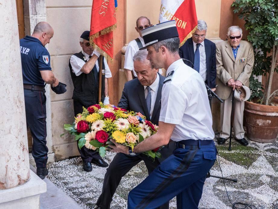 La cérémonie s'est déroulée sur le parvis Sainte-Marguerite.(DR)