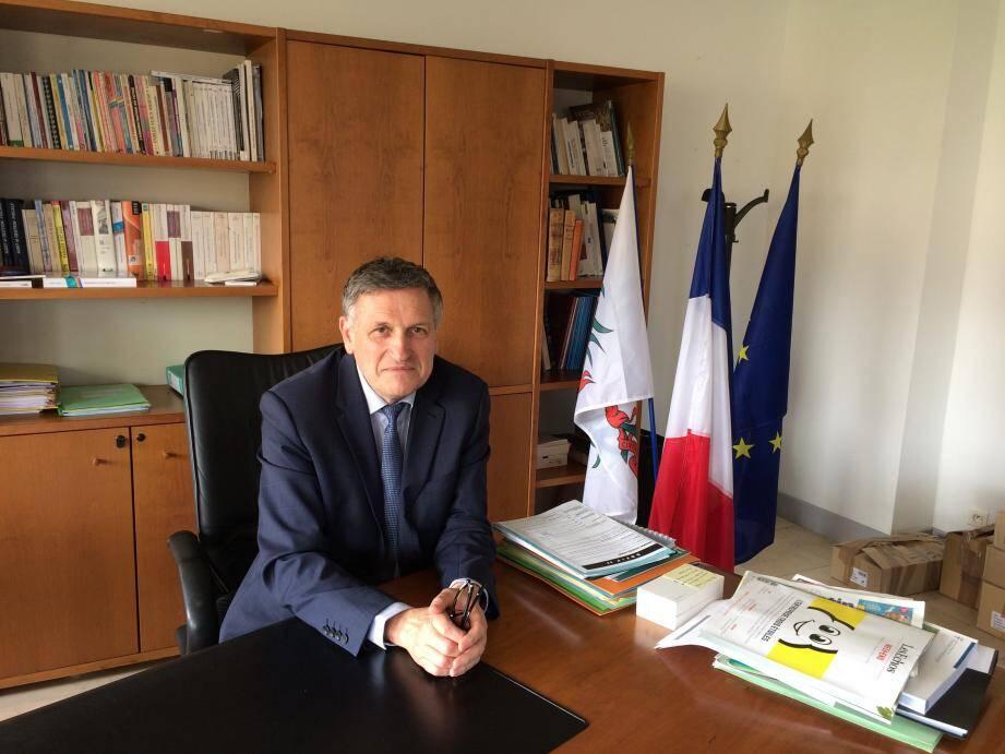 Le directeur des Finances publiques, Claude Brechard.