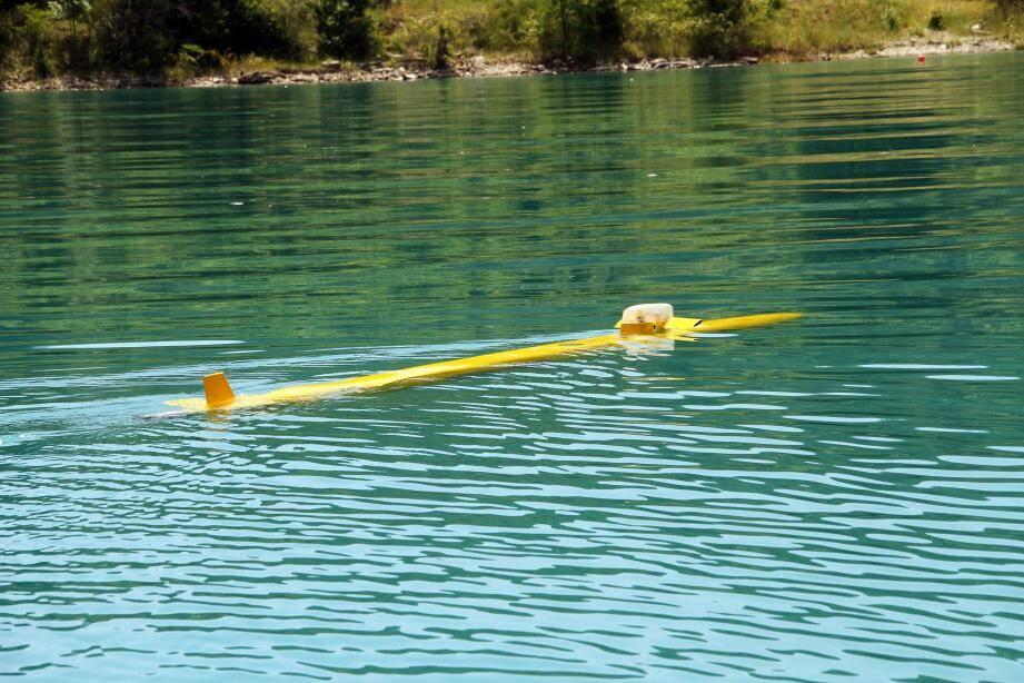 Avec ses 5 mètres de long, pour 0,7 tonne, la maquette MLB fait presque figure de jouet comparée à ses aînées MN2 (14 mètres, 15 tonnes) et Milady (20 mètres, 48 tonnes) utilisées pour la mise au point des sous-marins lanceurs d'engins de type Triomphant (ci-contre).