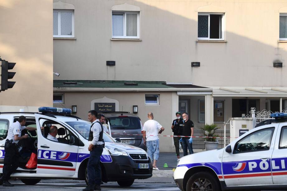 L'imam d'une mosquée de Brest a été blessé par balles.