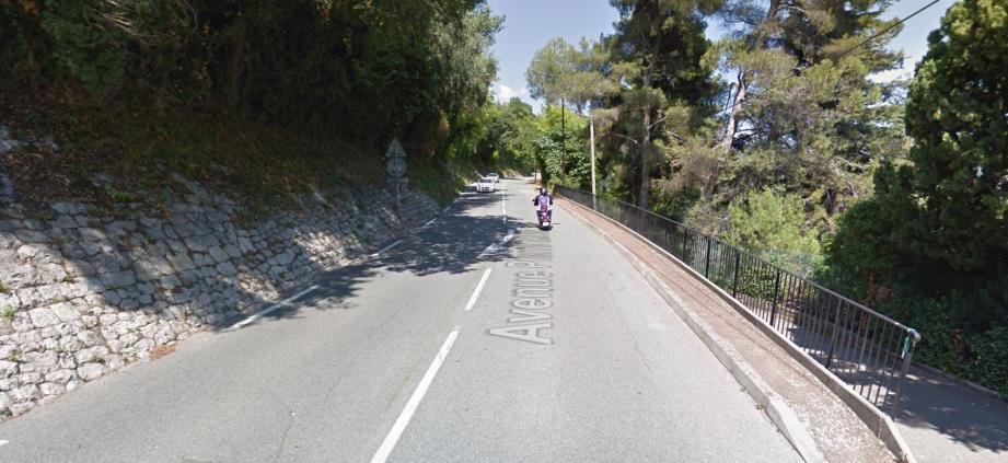 L'accident s'est déroulé avenue Pierre Ziller, à Grasse.