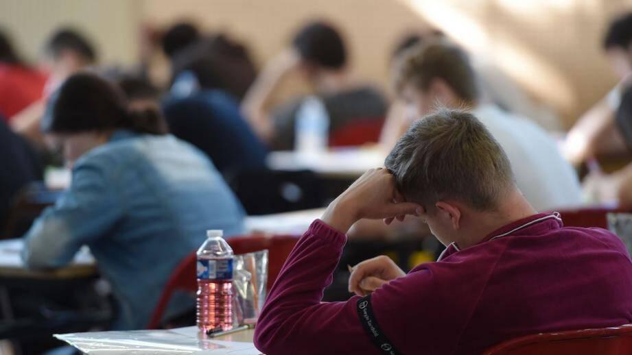 Reportées, les épreuves du brevet des collèges se dérouleront lundi et mardi.