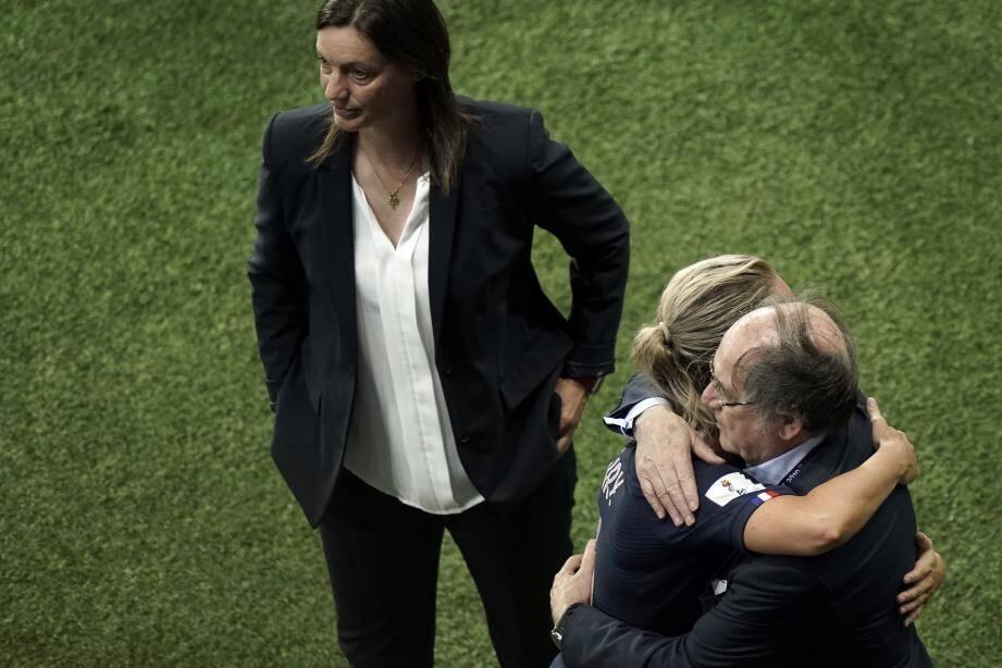 Corinne Diacre ne compte pas démissionner après l'élimination de son équipe en quart de finale de la Coupe du monde.