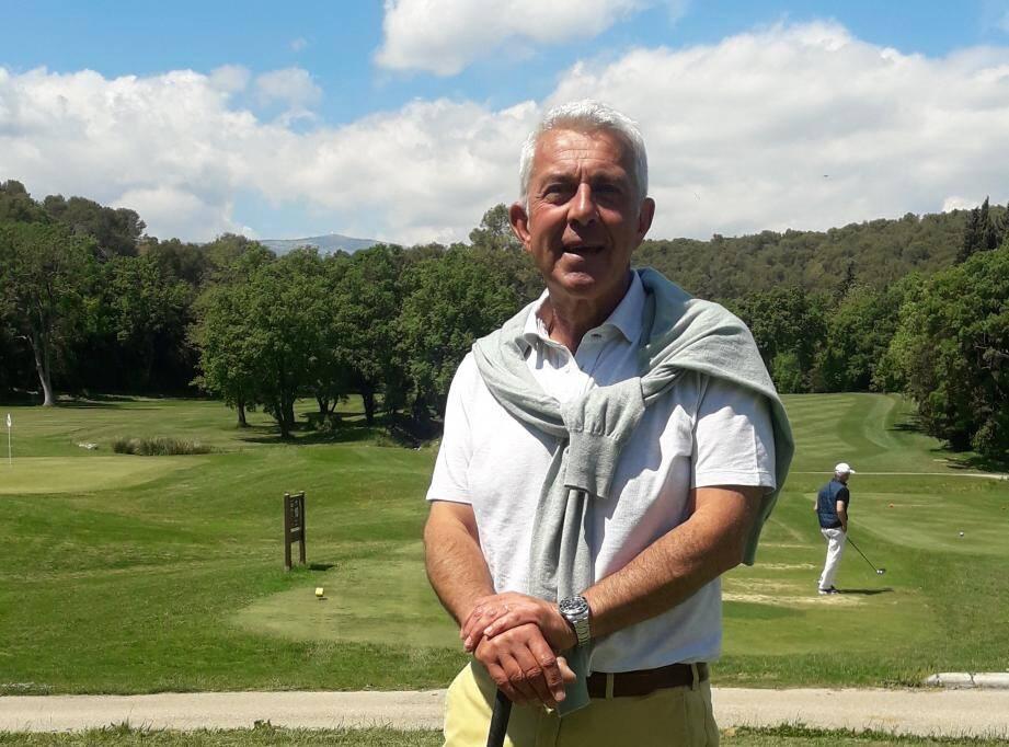 Frédéric Orselli, professeur de golf à Opio-Valbonne, et initiateur de L'Open golf organisation académie.