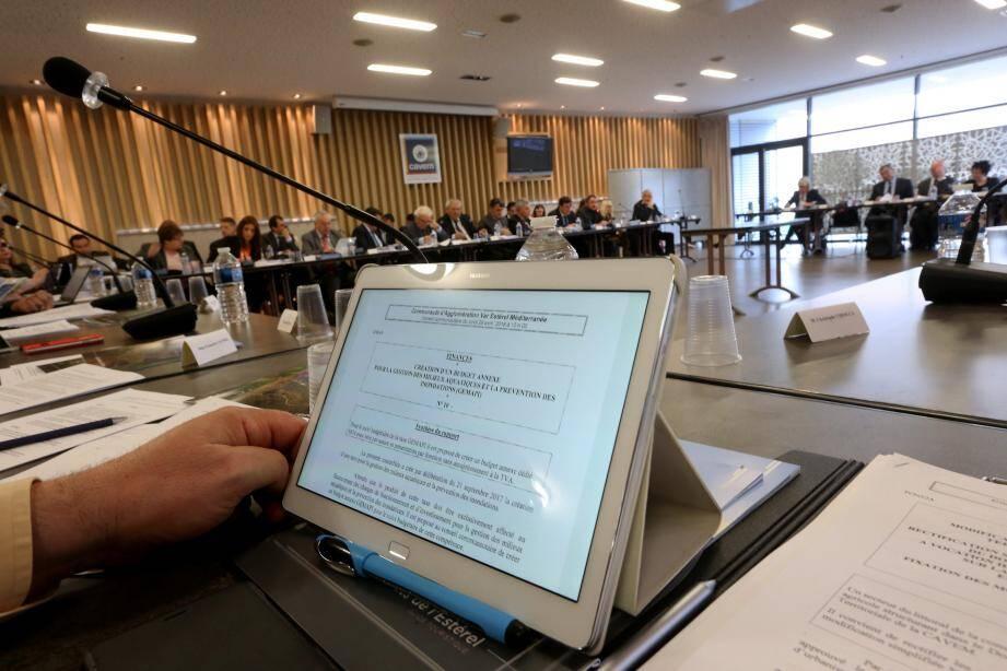 Dix-neuf questions (sur les trente inscrites à l'ordre du jour du conseil de la Cavem) concernaient les finances. De la ''rigolade'' pour le président Roland Bertora...