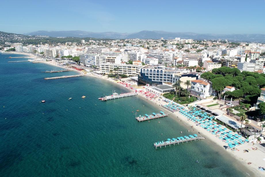 Vues des plages de Juan-les-Pins.