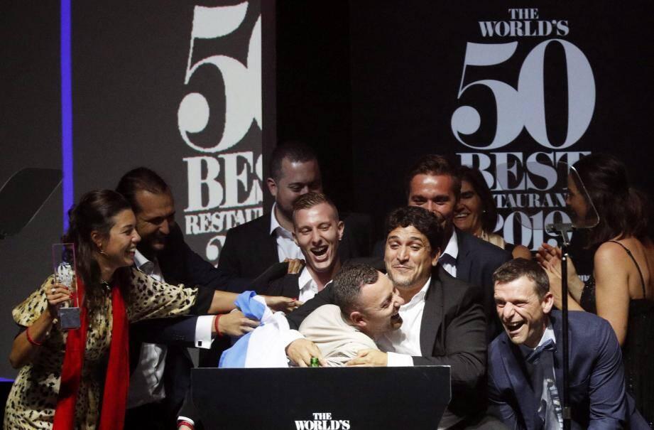 Le 50 Best est décerné depuis 2002 par un millier d'experts indépendants (chefs, journalistes spécialisés, propriétaires de restaurants...) qui notent leurs expériences des 18 derniers mois sous l'égide du magazine Restaurant du groupe de presse britannique William Reed.