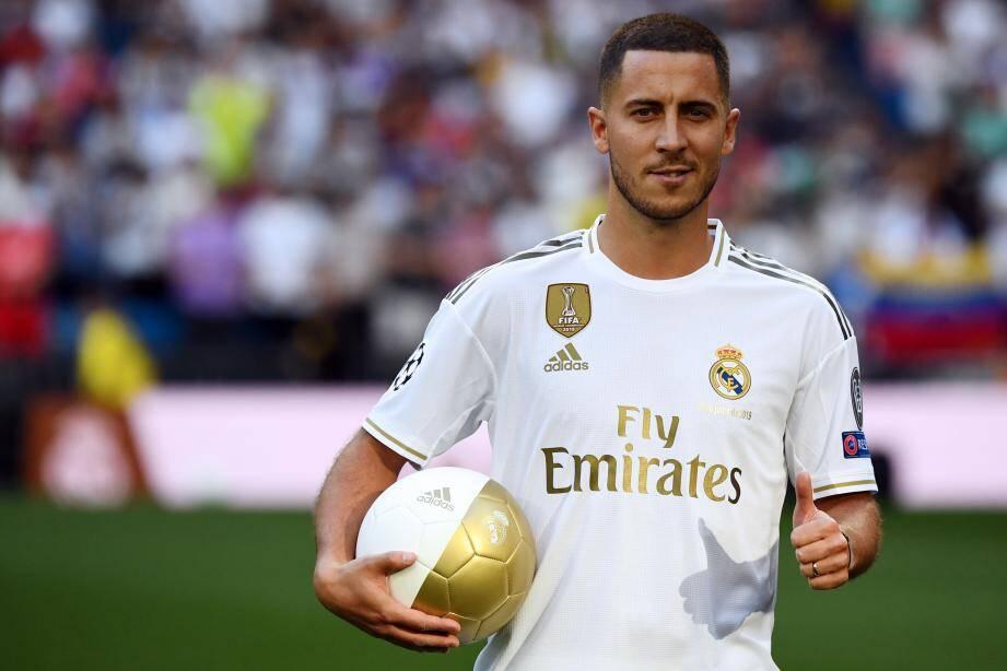 Le Real Madrid a déboursé 100 millions d'euros pour accueillir Eden Hazard, présenté en grande pompe au stade Santiago-Bernabeu