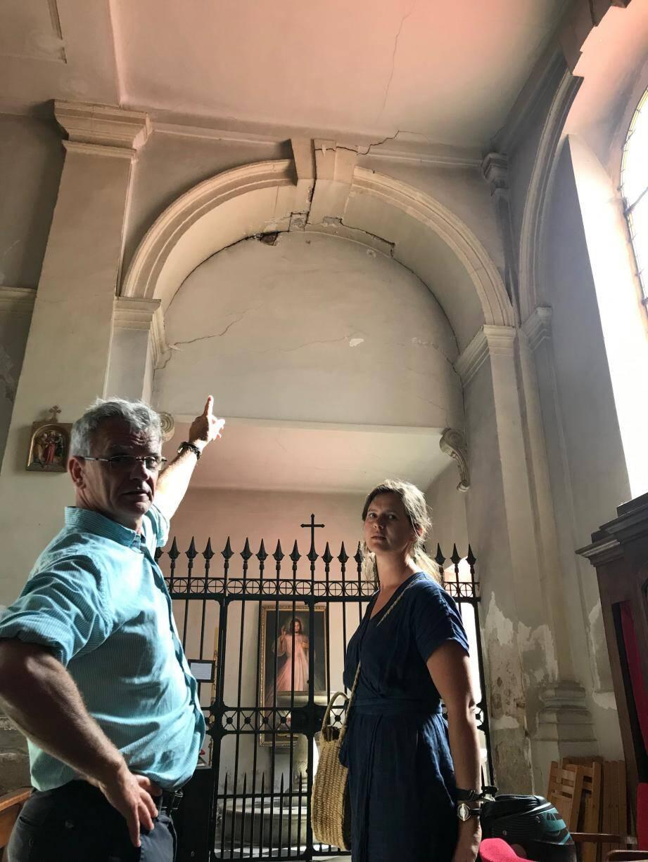 Dans leur église dégradée, ils prêchent pour leur paroisse