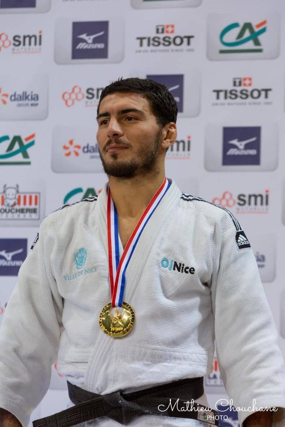 Pour prendre l'avion pour les Jeux de Tokyo, le champion de France en titre des moins de 73 kg doit, au 25 mai 2020, être classé 1er Français et figurer parmi les 18 meilleurs judokas mondiaux.