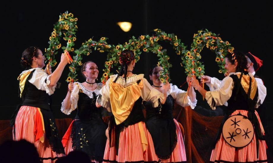 La danse folklorique sera à l'honneur samedi soir à Jean-Gioan.(DR)