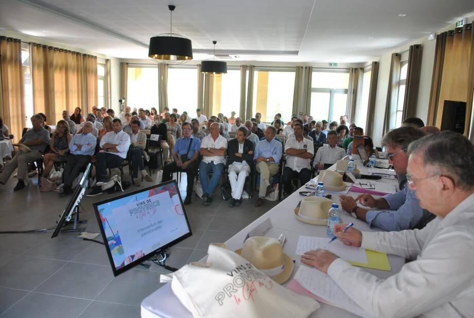 Les représentants des producteurs et négociants ont accepté à l'unanimité une hausse de 25 % de leurs cotisations pour financer un ambitieux plan de développement.
