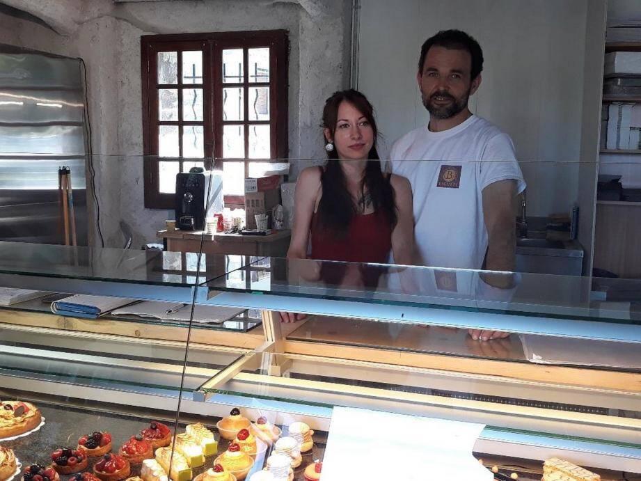 Le nouveau boulanger, Gregory Lefebvre et sa compagne Audrey Rakato.