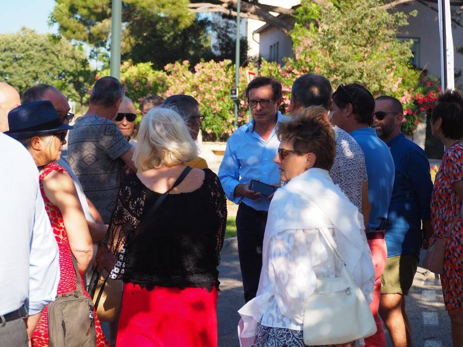 Les Six-Fournais sont toujours heureux d'approcher leur maire et les élus pour évoquer leurs petits tracas quotidiens.