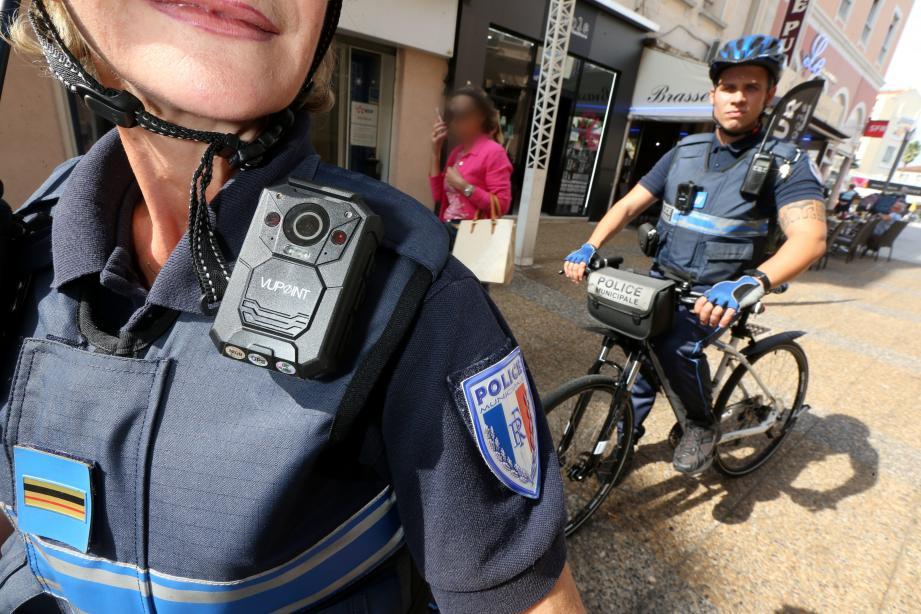 La Ville d'Antibes a annoncé financer l'équipement de ses agents municipaux mais également des nationaux.