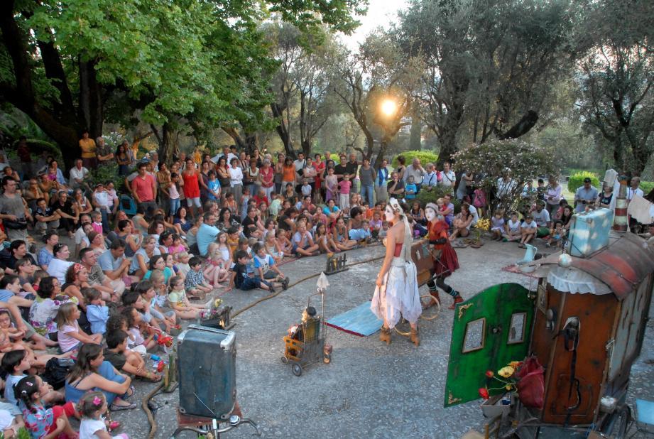 Venez profiter vendredi d'une grande soirée de contes en plein air.(DR)