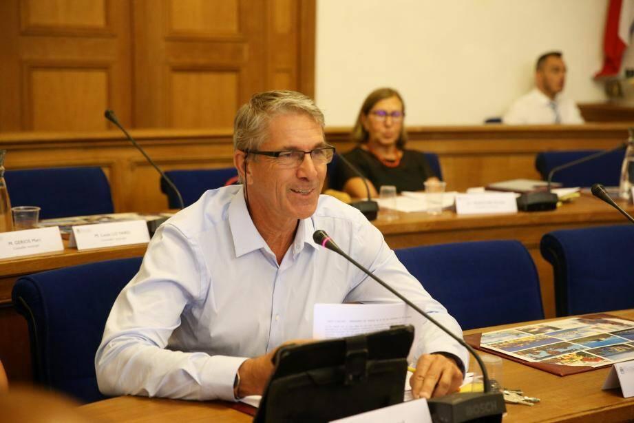 Tanguy Cornec, élu RBM, a attaqué le maire Jean Leonetti sur le bilan de l'été 2019... un peu en avance.