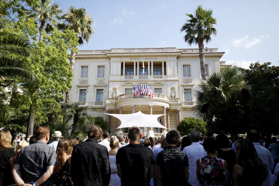 L'hommage aux victimes de l'attentat de Nice, le 14 juillet, à la villa Masséna.