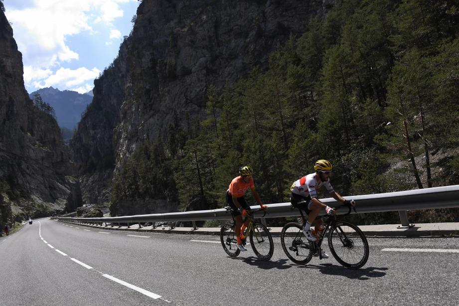 Le double vainqueur du Tour de France (1975 et 1977) se régale avec cette édition 2019. Et voir deux Français à la lutte pour la victoire finale le comble de bonheur.