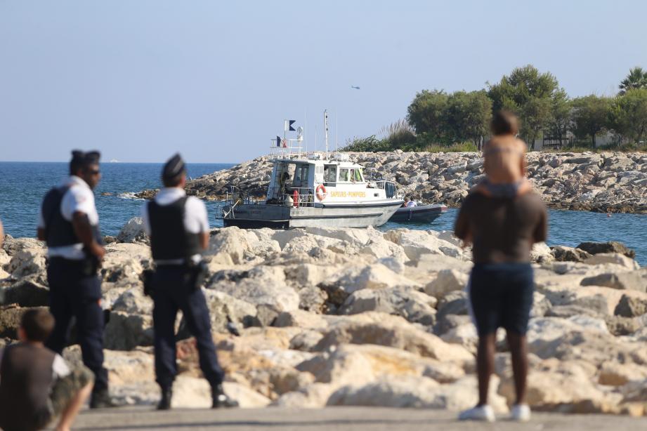 C'est à cet endroit, devant la plage de Carras, que les recherches se sont concentrées.