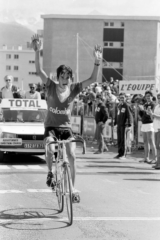 16 juillet 1984 :  Luis Herrera est le premier Colombien vainqueur d'une étape sur le Tour.