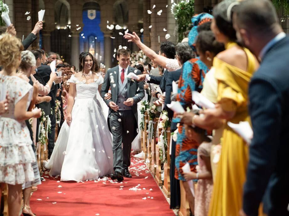 Peu après 15 heures hier à la cathédrale, les mariés viennent d'échanger leurs consentements.