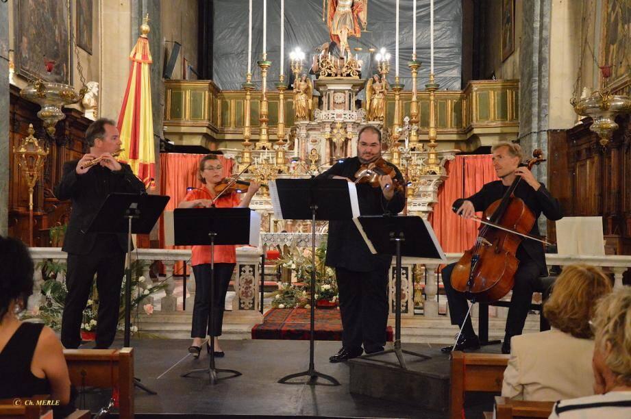 Le grand flûtiste Emmanuel Pahud a joué dans la basilique avec des musiciens du Philharmonique de Berlin.