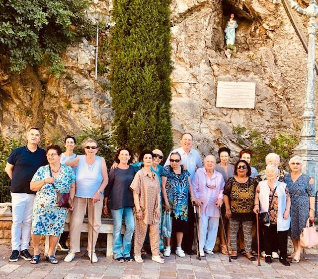 Les bénéficiaires de l'œuvre de Sœur Marie à Saint-Martin de Vésubie.(DR)