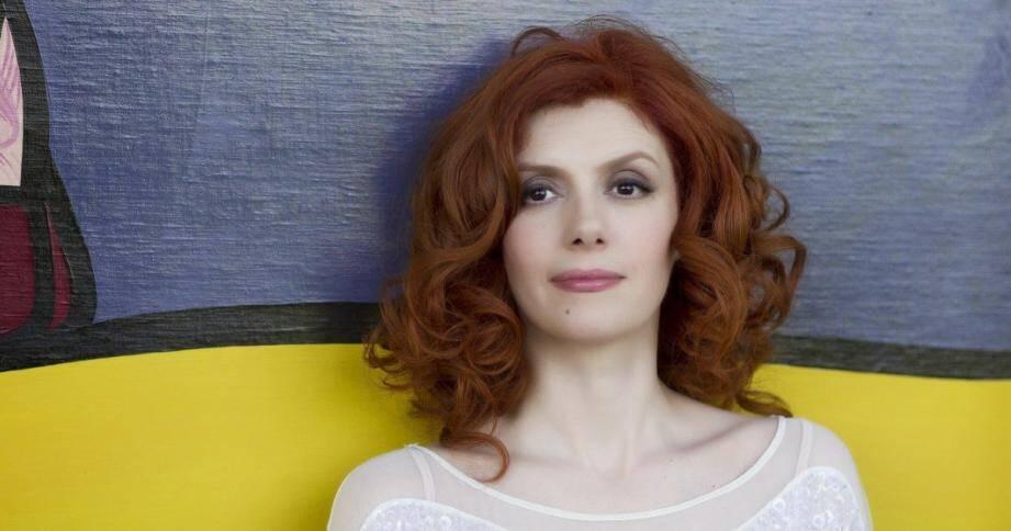 Patricia Petibon, triplement récompensée aux Victoires de la Musique, donnera ce soir un concert éclectique sur le parvis Saint-Michel.