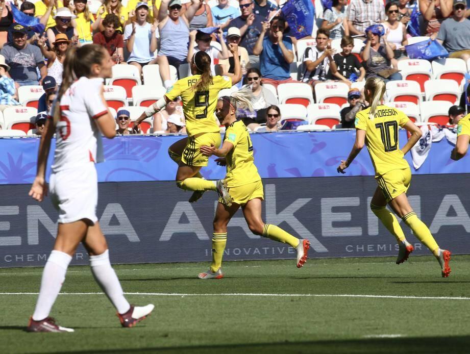 Kosovare Asllani a marqué le premier but pour la Suède.