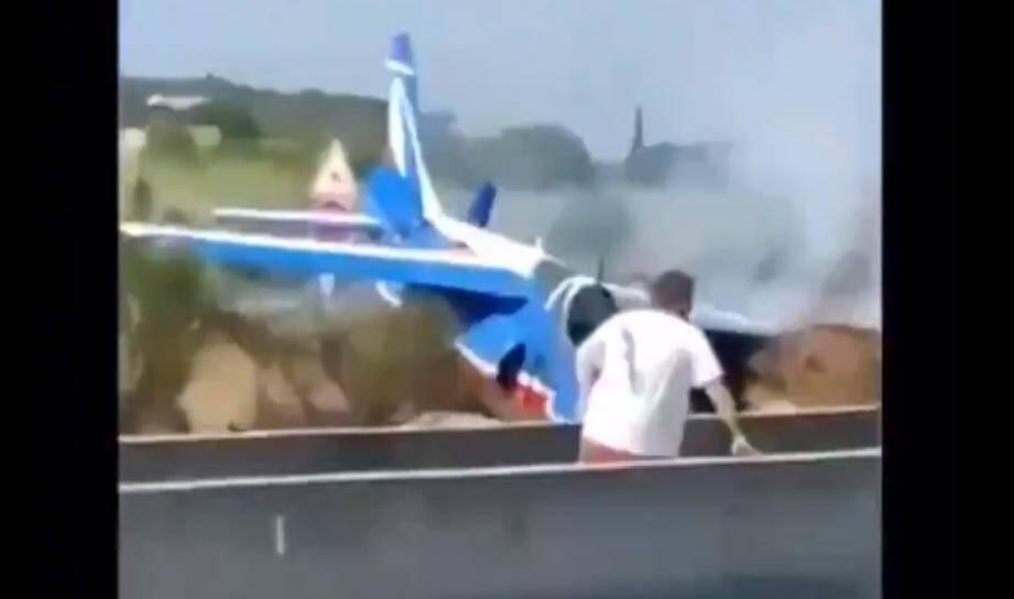 Ce jeudi, un Alphajet de la Patrouille de France s'est crashé sur une départementale bordant l'aéroport de Perpignan-Rivesaltes.