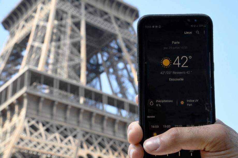 Température mesurée près de la Tour Eiffel le 25 juillet 2019 à Paris.