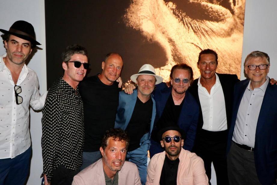 De gauche à droite et de haut en bas: Sacha Baron Cohen, Noel Gallaguer, Woody Harrelson, Lars Ulrich, Bono, Matthew McConaughey, Bill Gates, Guy Oseary et JR.