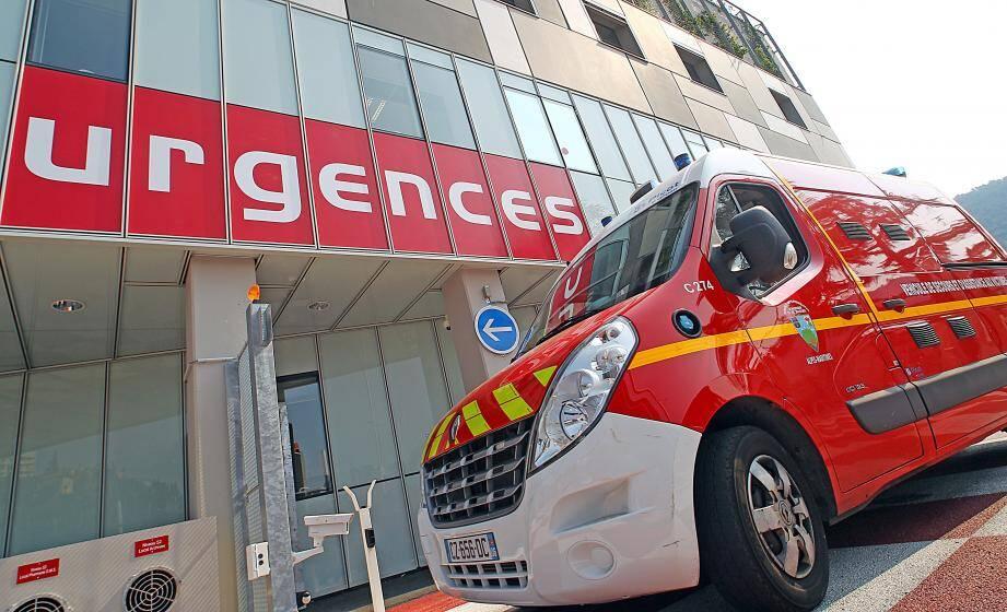 La direction devait assigner du personnel pour maintenir l'accueil aux urgences.